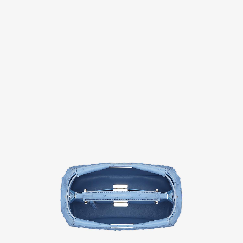 FENDI PEEKABOO ICONIC MINI - Borsa in struzzo azzurro - vista 4 dettaglio