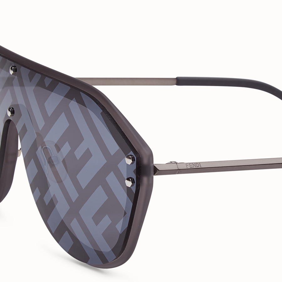 FENDI FENDI FABULOUS - Grey sunglasses - view 3 detail