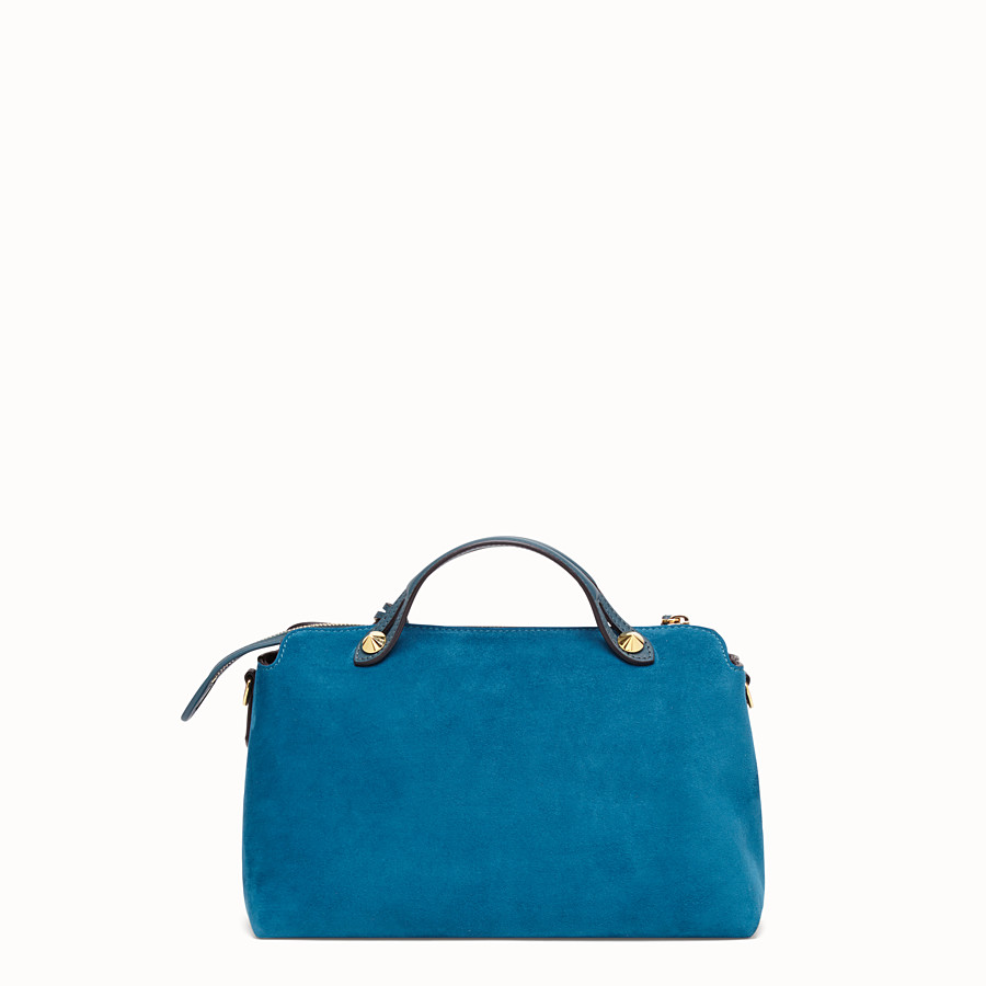FENDI BY THE WAY MEDIUM - Boston Bag aus Veloursleder in Blau - view 3 detail