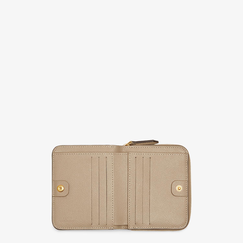 FENDI MEDIUM ZIP-AROUND - Beige leather wallet - view 4 detail