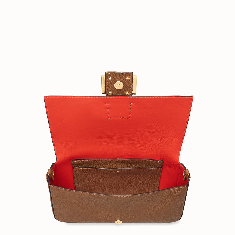 FENDI BAGUETTE LARGE - Sac en cuir marron - view 4 detail