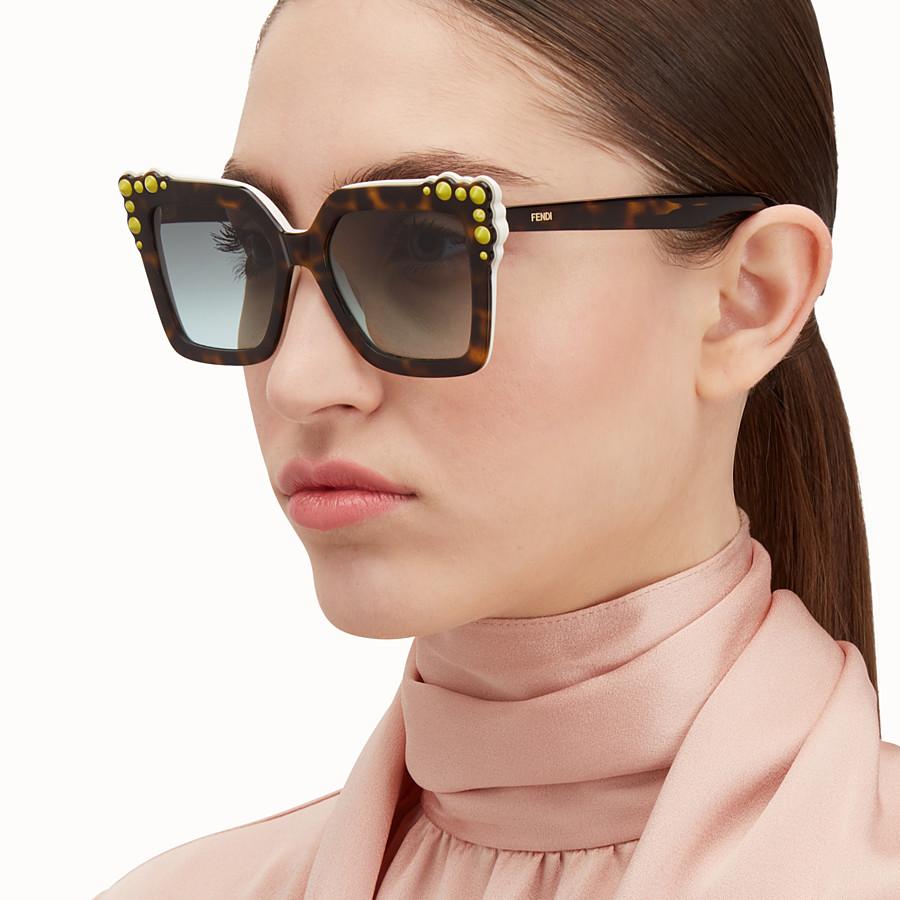 FENDI 캔 아이 - Havana sunglasses - view 4 detail