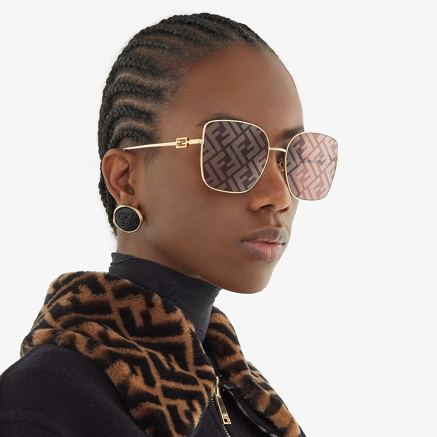 FENDI BAGUETTE - Sunglasses featuring brown lenses with FF logo - view 4 detail