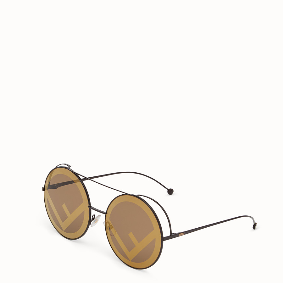 FENDI RUN AWAY - A/W17 Fashion Show brown sunglasses - view 2 detail