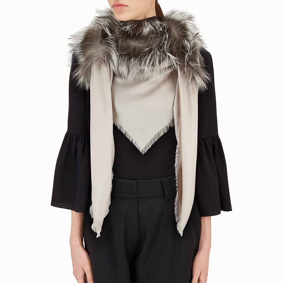 FENDI TOUCH OF FUR SHAWL - Shawl in beige silk and wool - view 3 detail