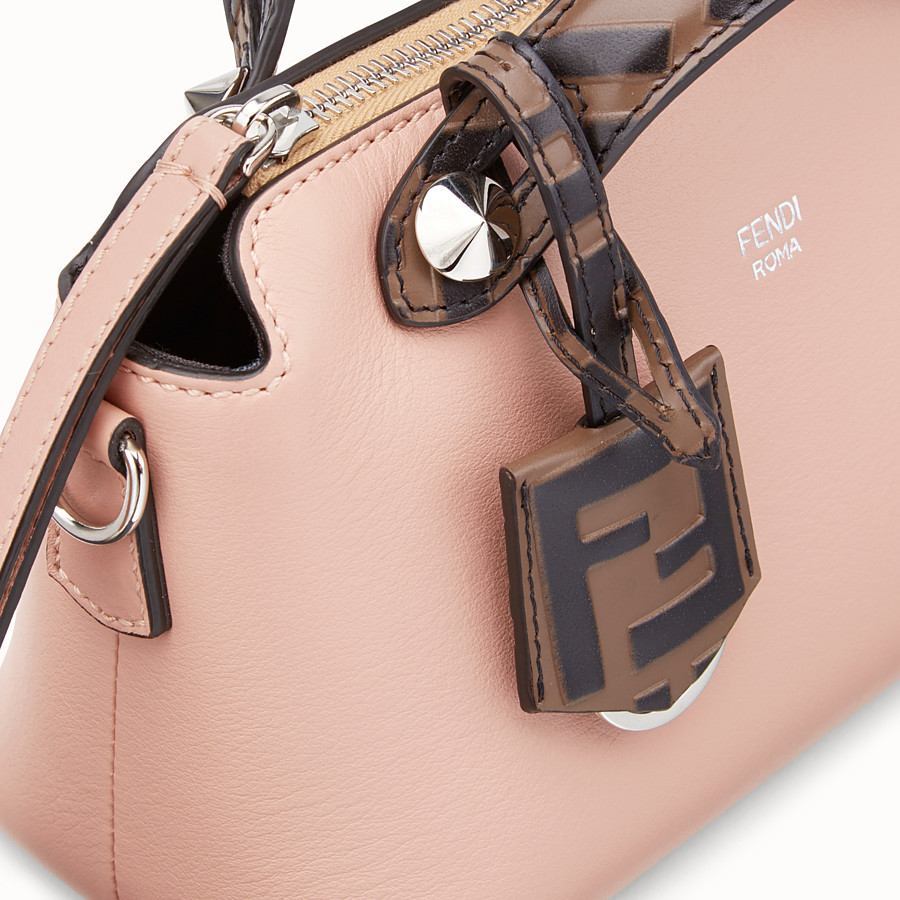 FENDI BY THE WAY MINI - Kleine Boston Bag aus Leder in Rosa - view 6 detail