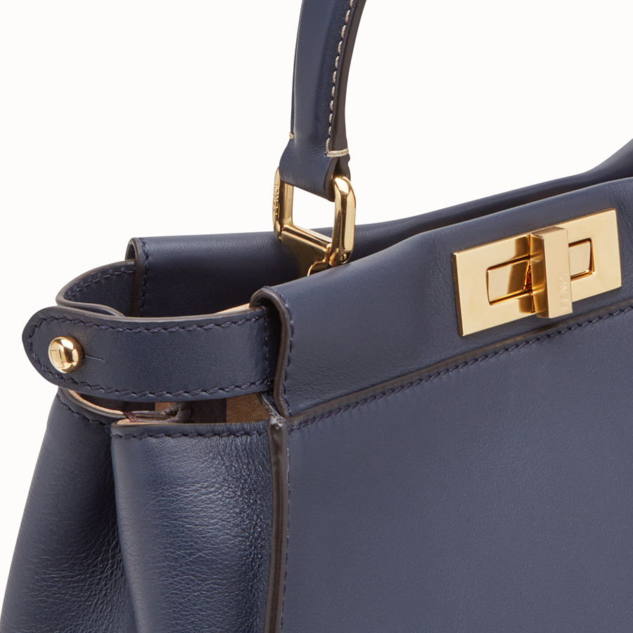 FENDI PEEKABOO ICONIC MEDIUM - Borsa in pelle blu - vista 5 dettaglio