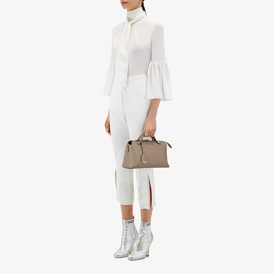 FENDI BY THE WAY MEDIUM - Small Boston bag in beige leather - view 6 detail