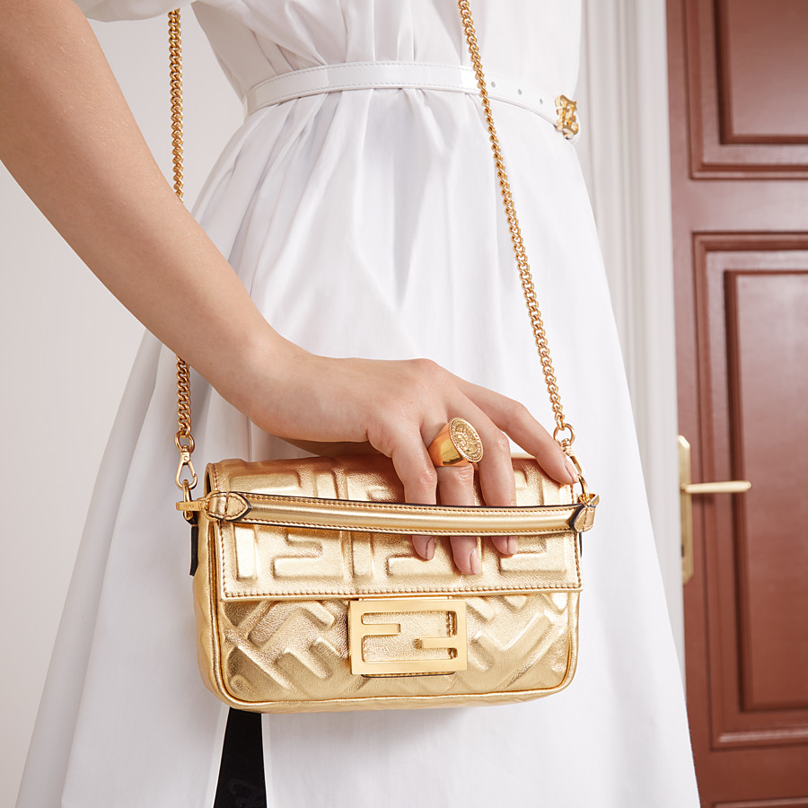 FENDI BAGUETTE MINI - Golden leather bag - view 2 detail