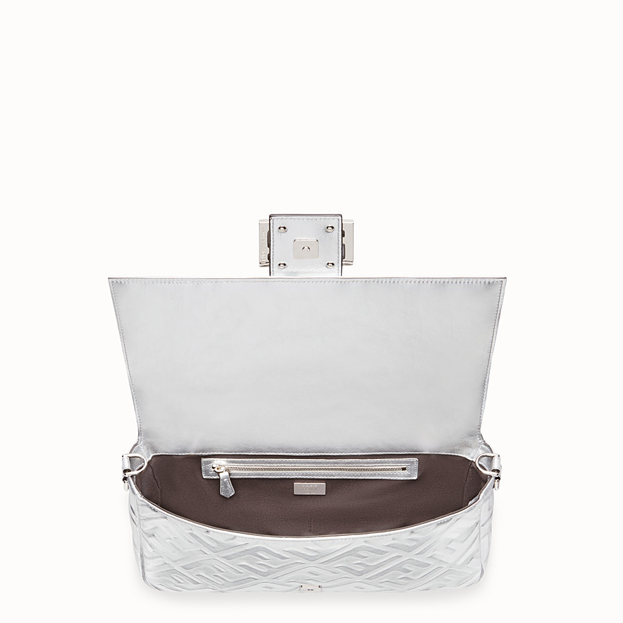 FENDI BAGUETTE LARGE - Silver leather bag - view 5 detail