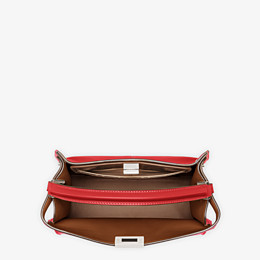 FENDI PEEKABOO X-LITE MEDIUM - Tasche aus Leder in Rot - view 6 thumbnail