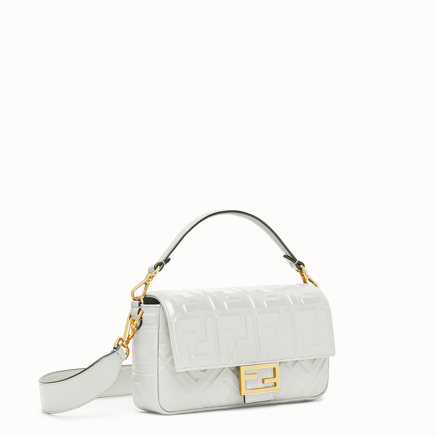 FENDI BAGUETTE - White leather bag - view 2 detail