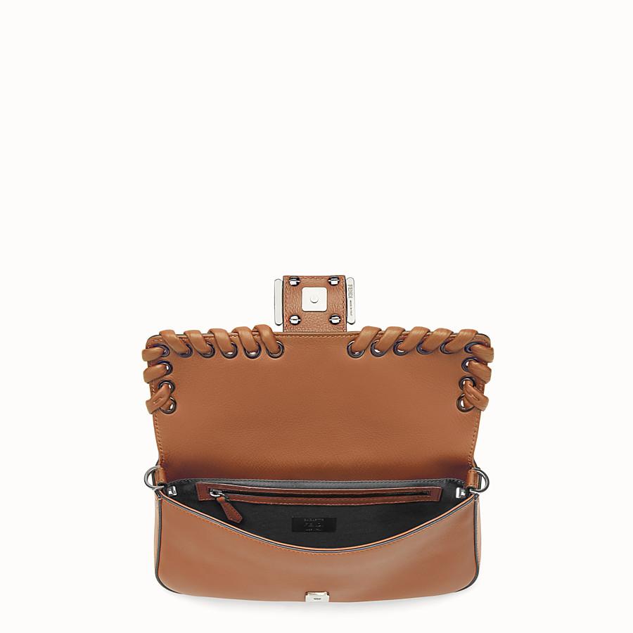 FENDI BAGUETTE - Cocoa leather shoulder bag - view 4 detail