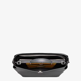 FENDI PEEKABOO ICONIC ESSENTIAL - Tasche aus Leder in Grau - view 4 thumbnail