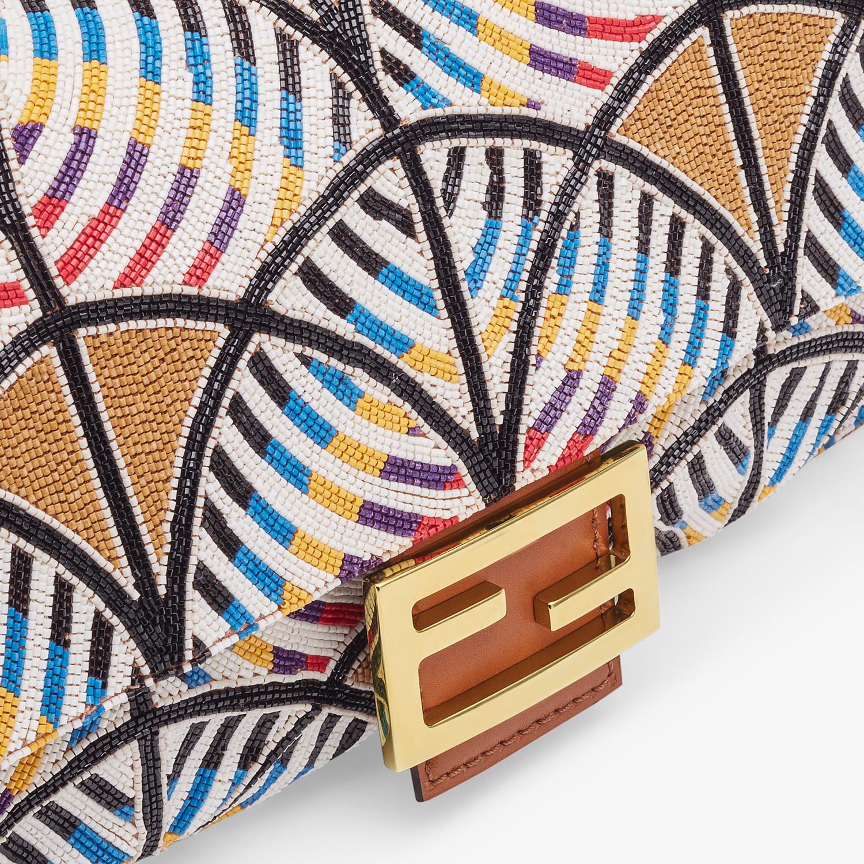 FENDI BAGUETTE - Tasche mit Stickerei Mehrfarbig - view 6 detail