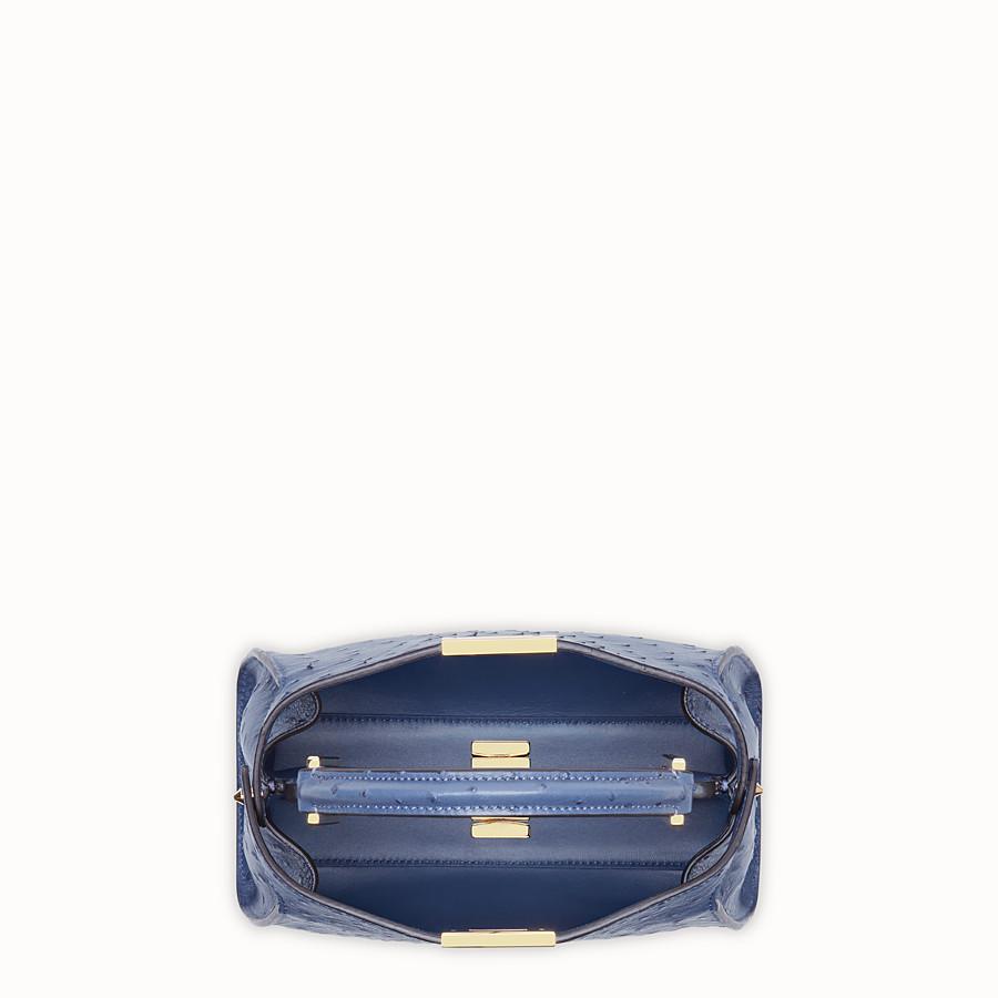 FENDI PEEKABOO ICONIC ESSENTIALLY - Tasche aus Straußenleder in Blau - view 4 detail