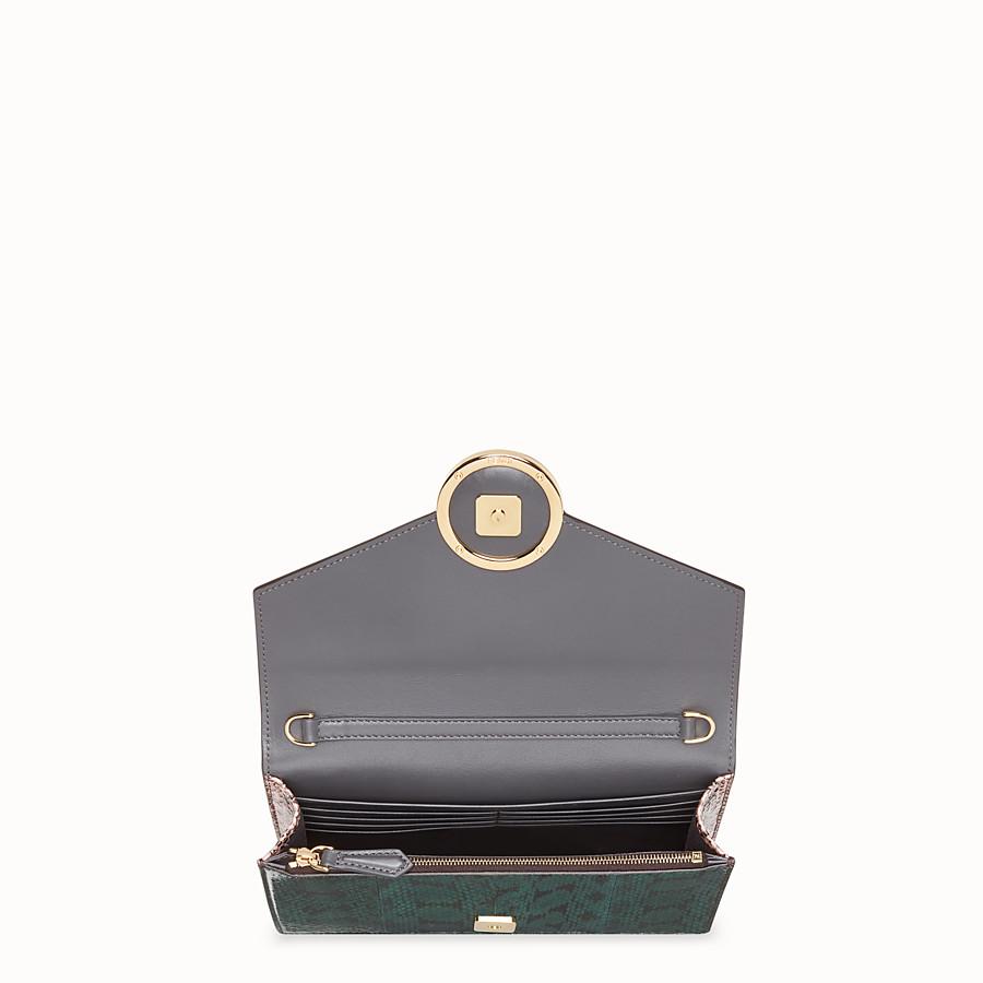 FENDI WALLET ON CHAIN - Minibag in elaphe verde - vista 4 dettaglio