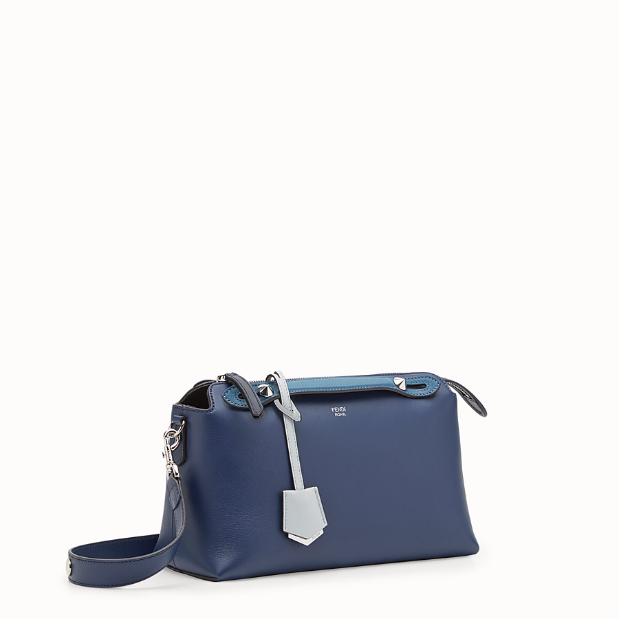 FENDI BY THE WAY REGULAR - Boston Bag aus Leder in Blau - view 2 detail