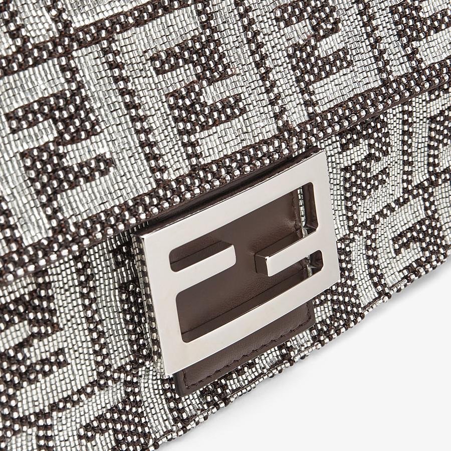 FENDI BAGUETTE - Tasche mit FF-Stickerei - view 5 detail