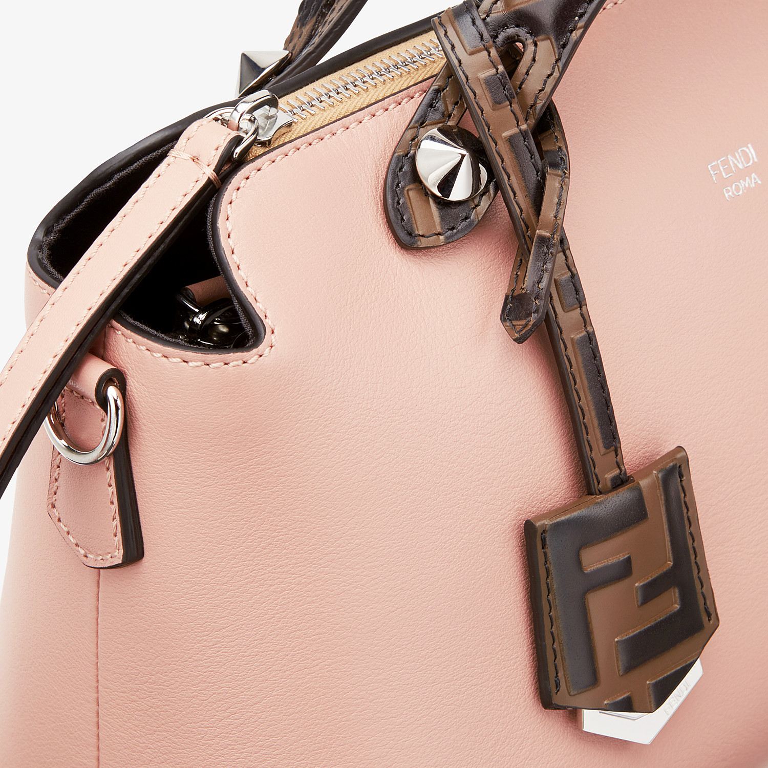 FENDI BY THE WAY MEDIUM - Boston Bag aus Leder in Rosa - view 5 detail