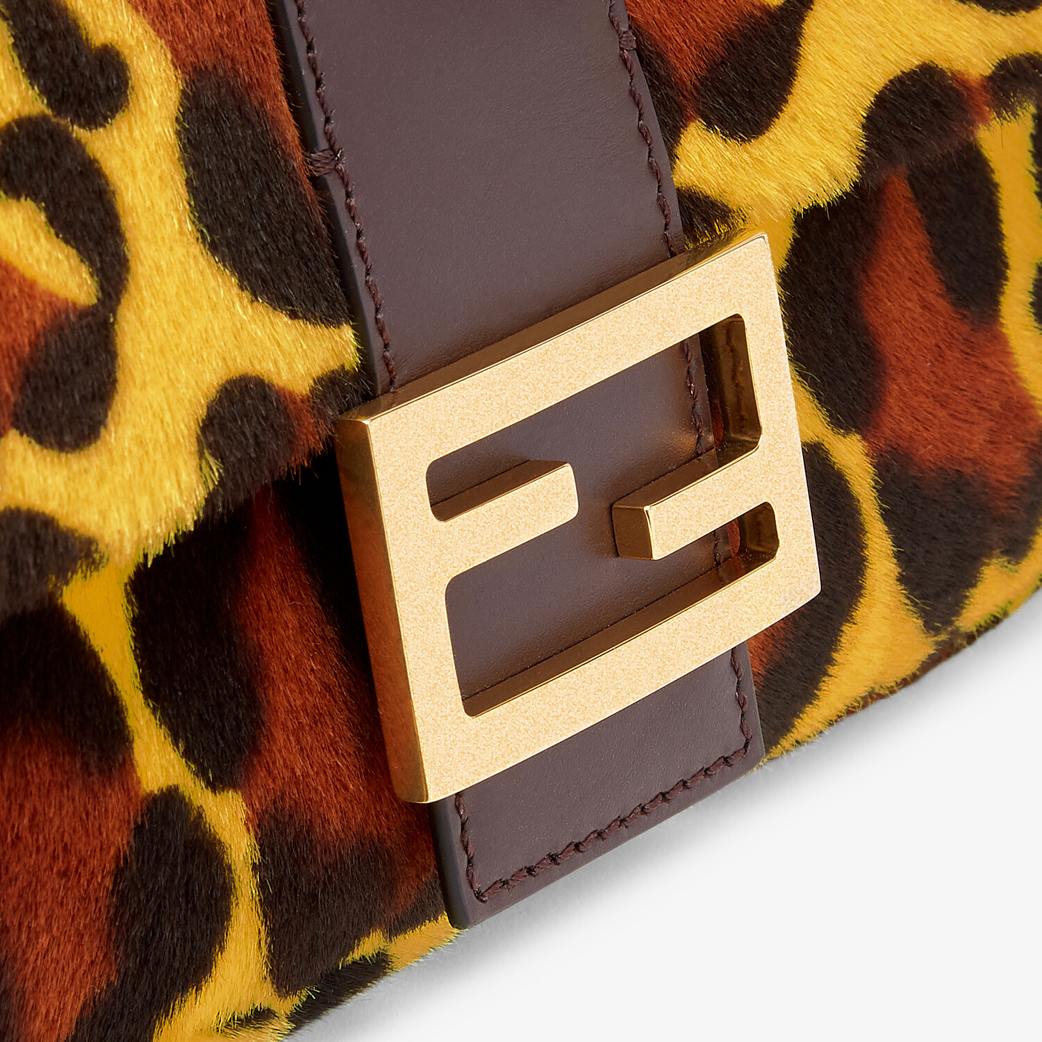 FENDI BAGUETTE - Tasche aus Shearling in Gelb - view 5 detail
