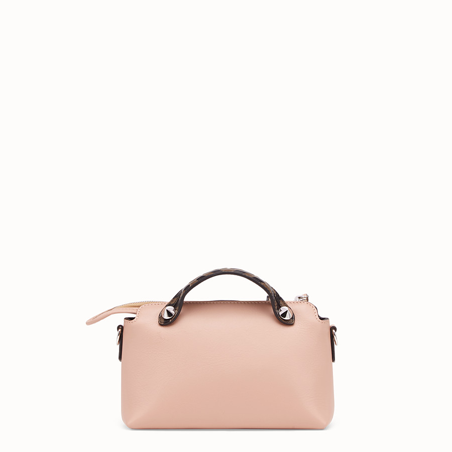 FENDI BY THE WAY MINI - Kleine Boston Bag aus Leder in Rosa - view 4 detail
