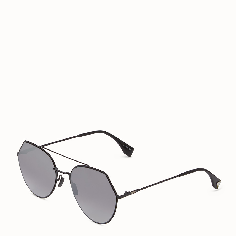 FENDI EYELINE - Black sunglasses. - view 2 detail