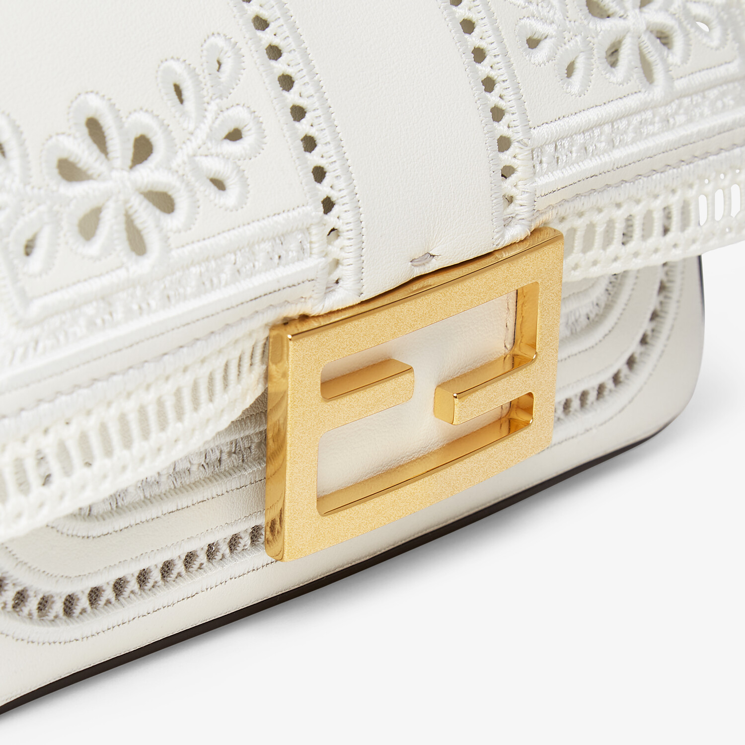 FENDI MINI BAGUETTE CHAIN - Embroidered white leather bag - view 5 detail