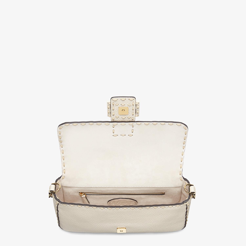 FENDI BAGUETTE - White full grain leather bag - view 5 detail