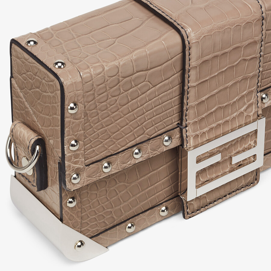 FENDI BAGUETTE TRUNK MINI - Beige alligator leather bag - view 5 detail