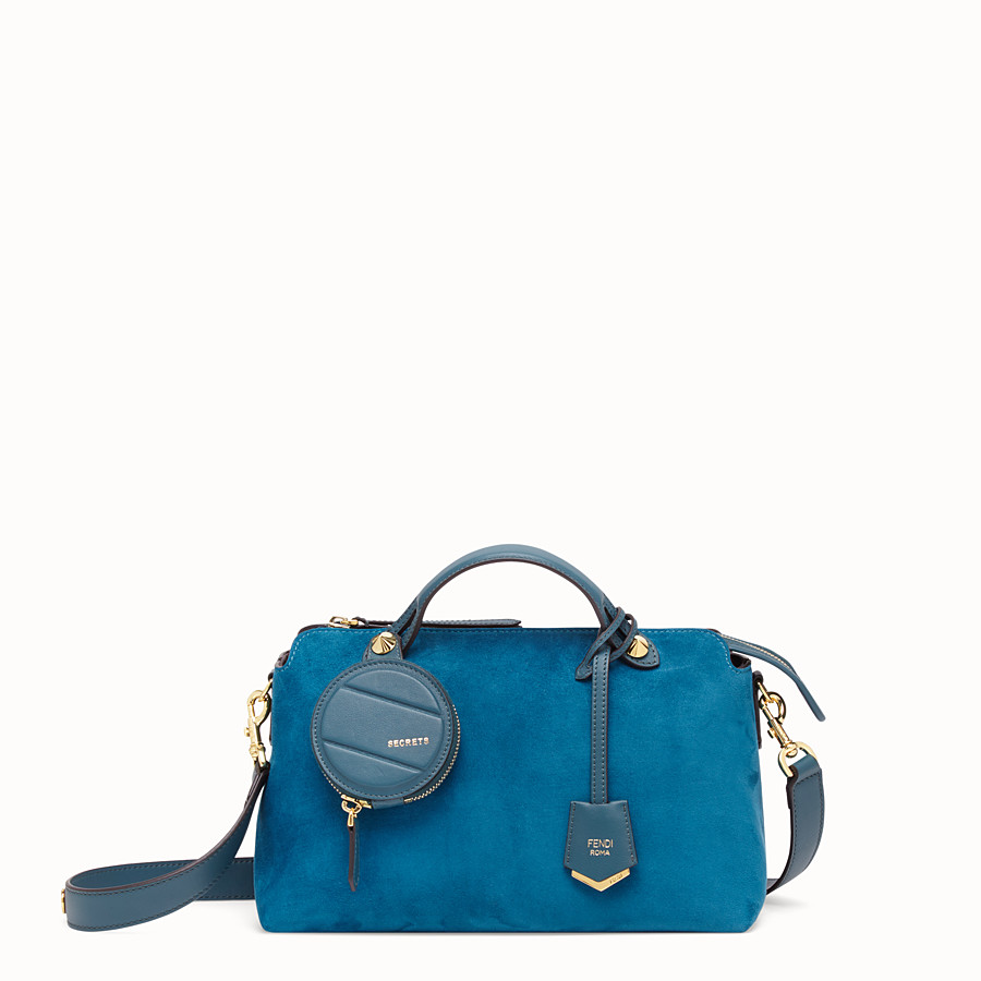 FENDI BY THE WAY MEDIUM - Boston Bag aus Veloursleder in Blau - view 1 detail
