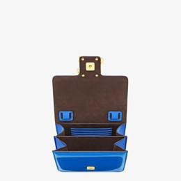 FENDI KARLIGRAPHY - Tasche aus Lackleder in Blau - view 4 thumbnail