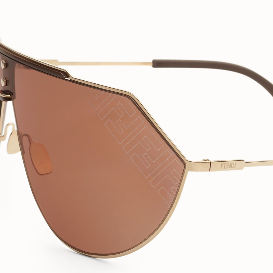 FENDI EYELINE 2.0 - Brown and gold sunglasses - view 3 detail