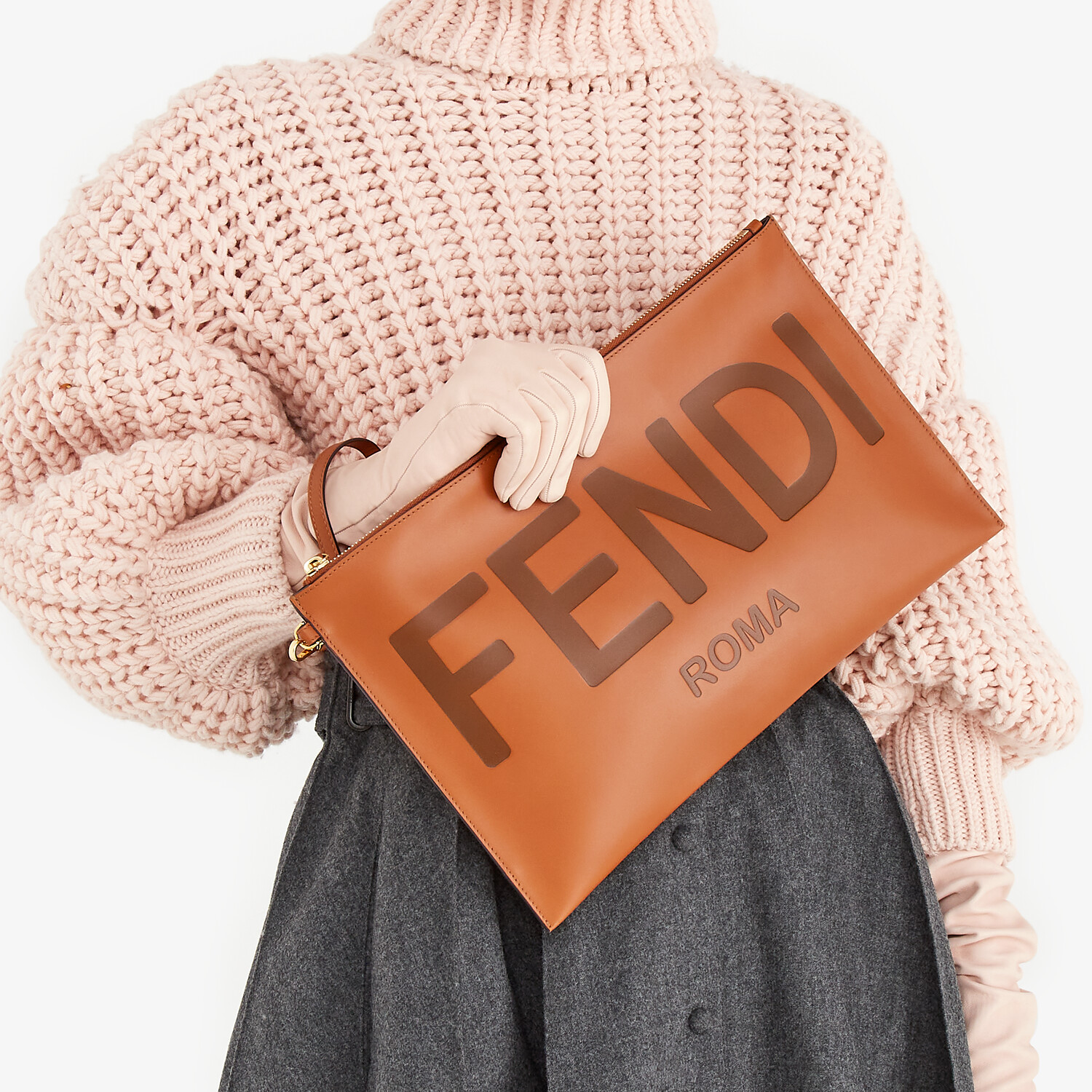 FENDI LARGE FLAT POUCH - Brown leather pouch - view 2 detail