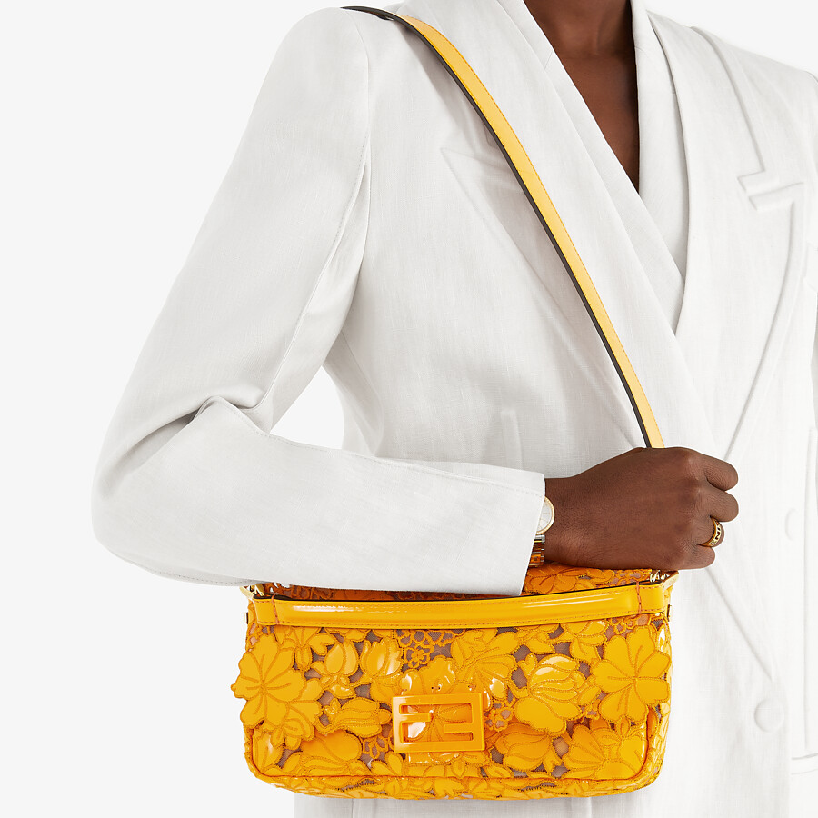 FENDI BAGUETTE - Embroidered orange patent leather bag - view 2 detail