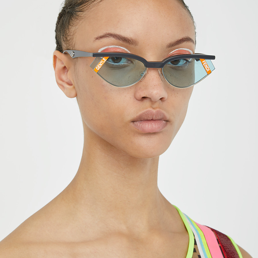 FENDI GENTLE FENDI - Grey and light blue sunglasses - view 5 detail