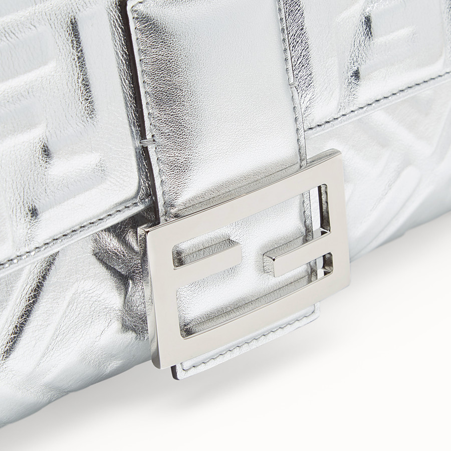 FENDI BAGUETTE LARGE - Silver leather bag - view 6 detail