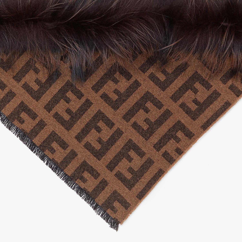 FENDI SCIALLE TOUCH OF FUR - Scialle in cachemire marrone - vista 1 dettaglio
