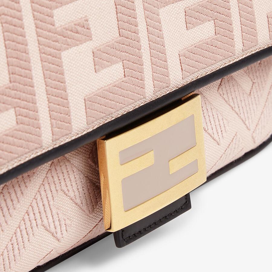 FENDI BAGUETTE - Borsa in canvas rosa ricamato - vista 5 dettaglio