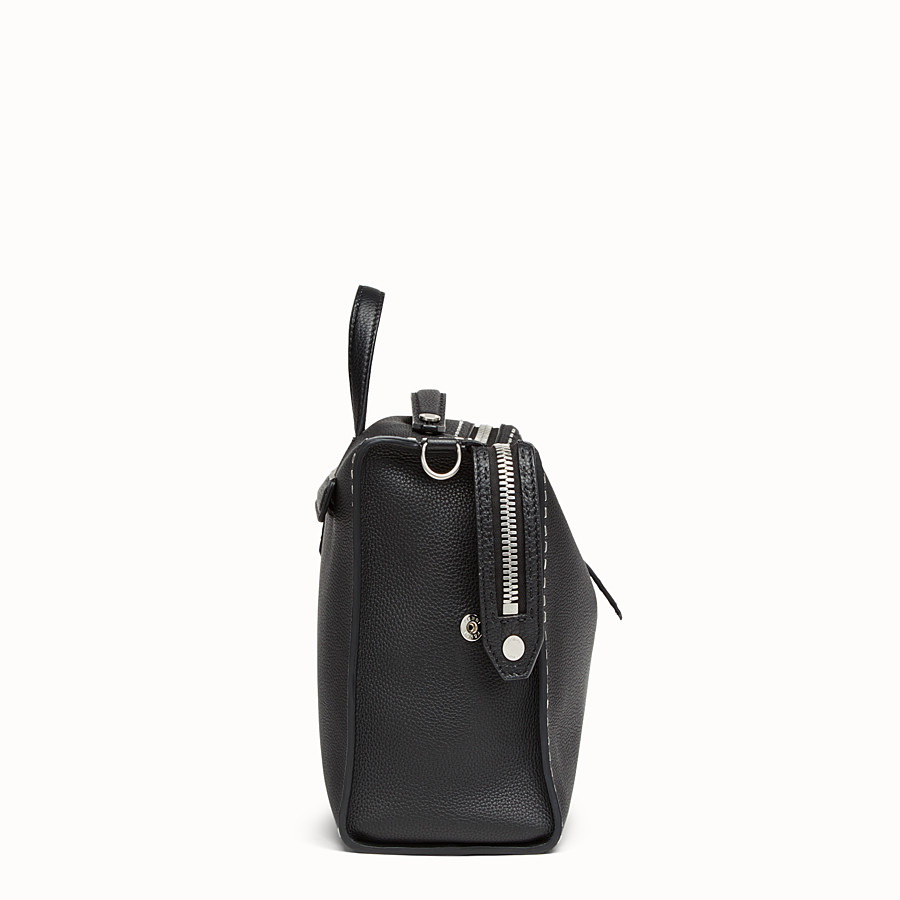FENDI MESSENGER - Black leather Selleria shoulder bag - view 2 detail