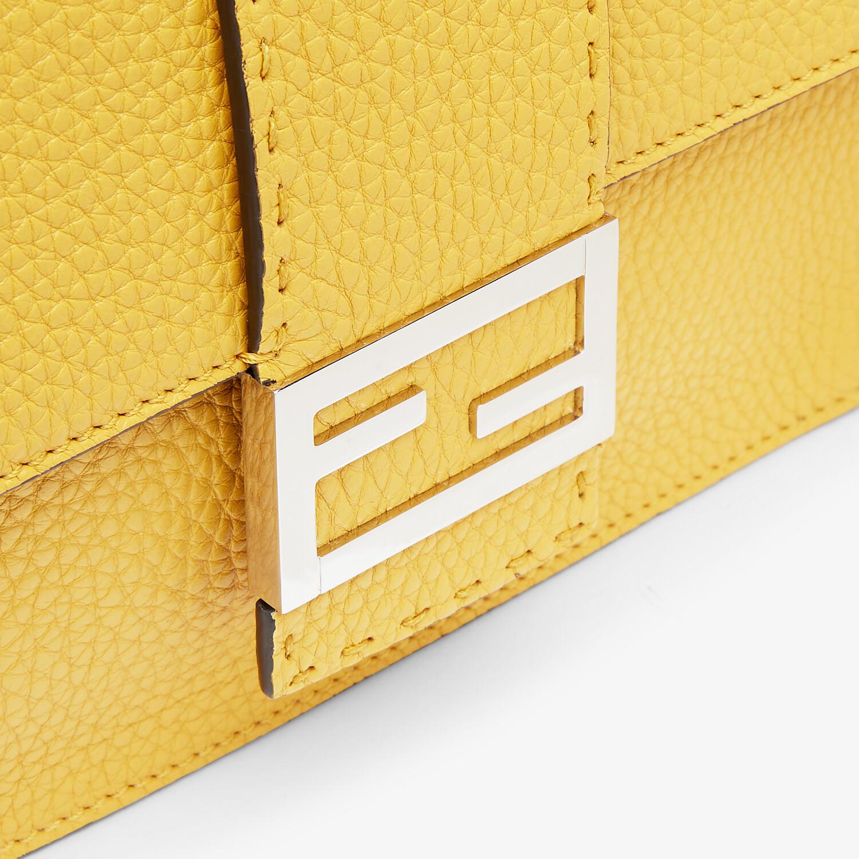 FENDI FLAT BAGUETTE - Yellow leather bag - view 5 detail