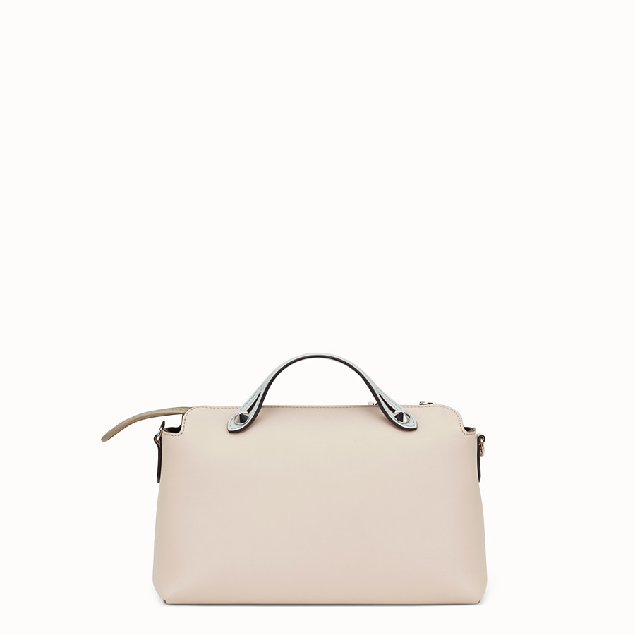 FENDI BY THE WAY REGULAR - Boston Bag aus Leder in Rosa - view 3 detail