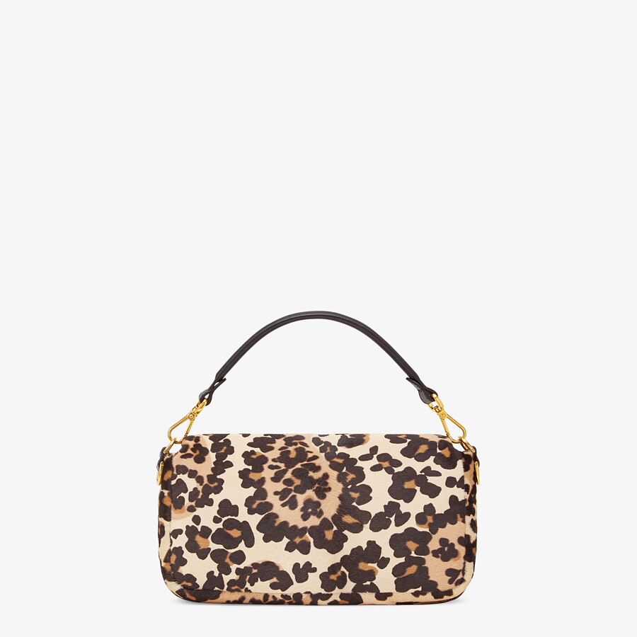 FENDI BAGUETTE - Short-haired beige leather bag - view 4 detail