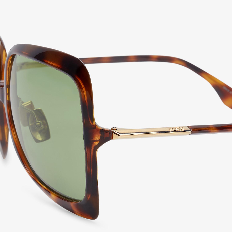 FENDI PROMENEYE - Fashion Show Sunglasses - view 3 detail