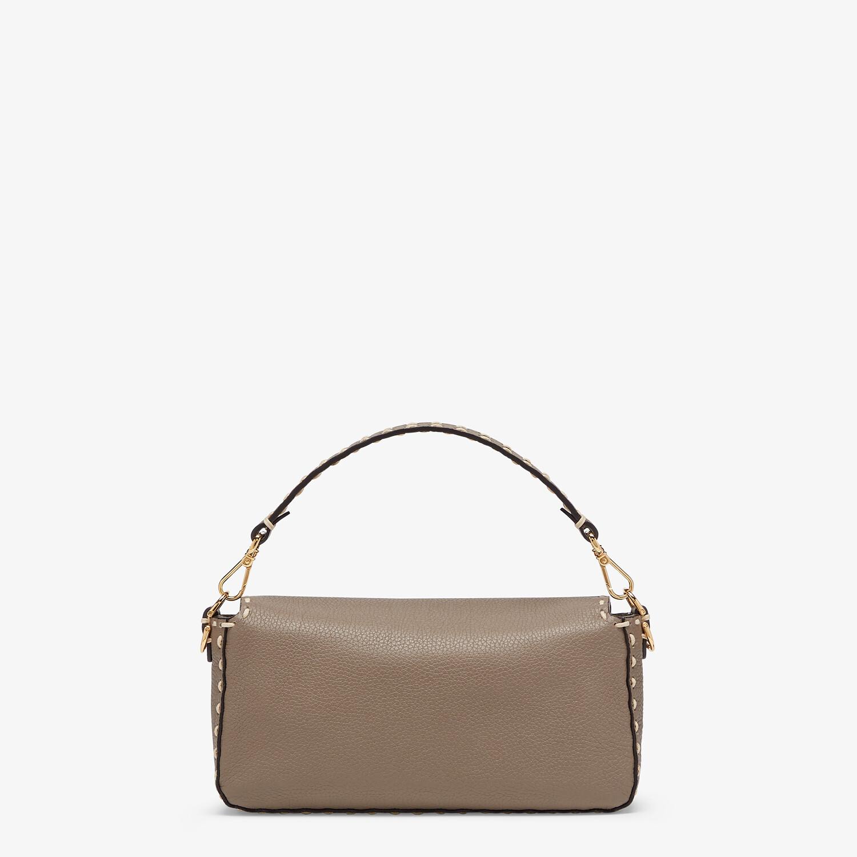 FENDI BAGUETTE - Gray full grain leather bag - view 4 detail