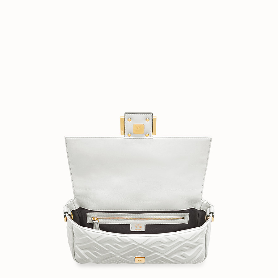 FENDI BAGUETTE - White leather bag - view 5 detail