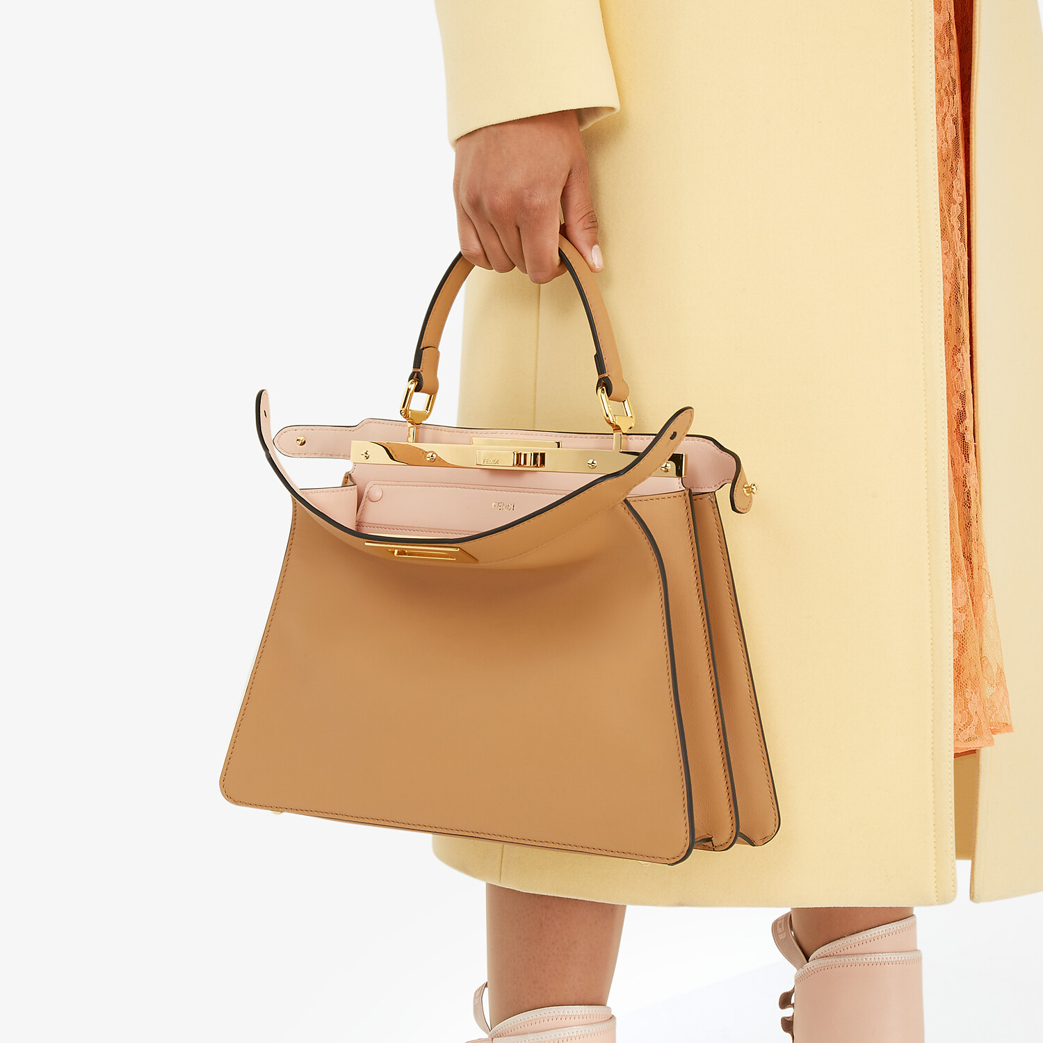 FENDI PEEKABOO ISEEU MEDIUM - Beige leather bag - view 2 detail