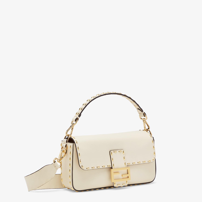FENDI BAGUETTE - Tasche aus Leder in Weiß - view 3 detail