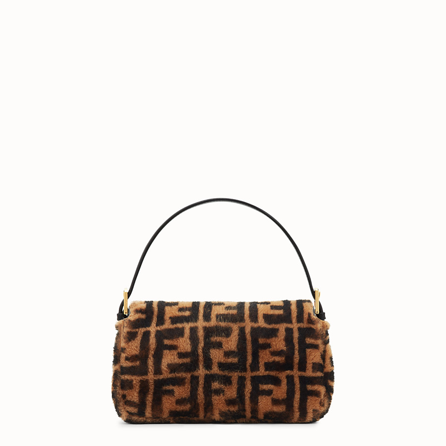 FENDI BAGUETTE - Brown sheepskin bag - view 3 detail