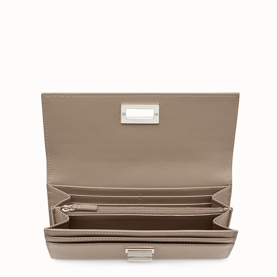 FENDI PEEKABOO CONTINENTAL WALLET - Continental wallet in grey leather - view 4 detail